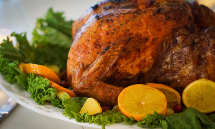 4 nutritious eating tips for surviving your next holiday party